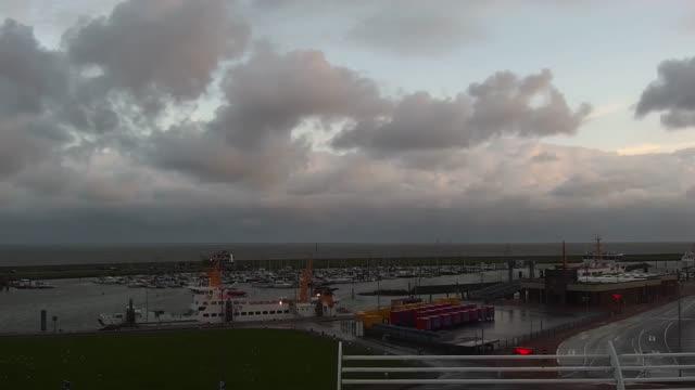 Bild zeigt Kanal Norddeich